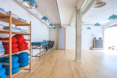Sala Mim en Nubya. Zafús, esterillas y mantas de Yoga.